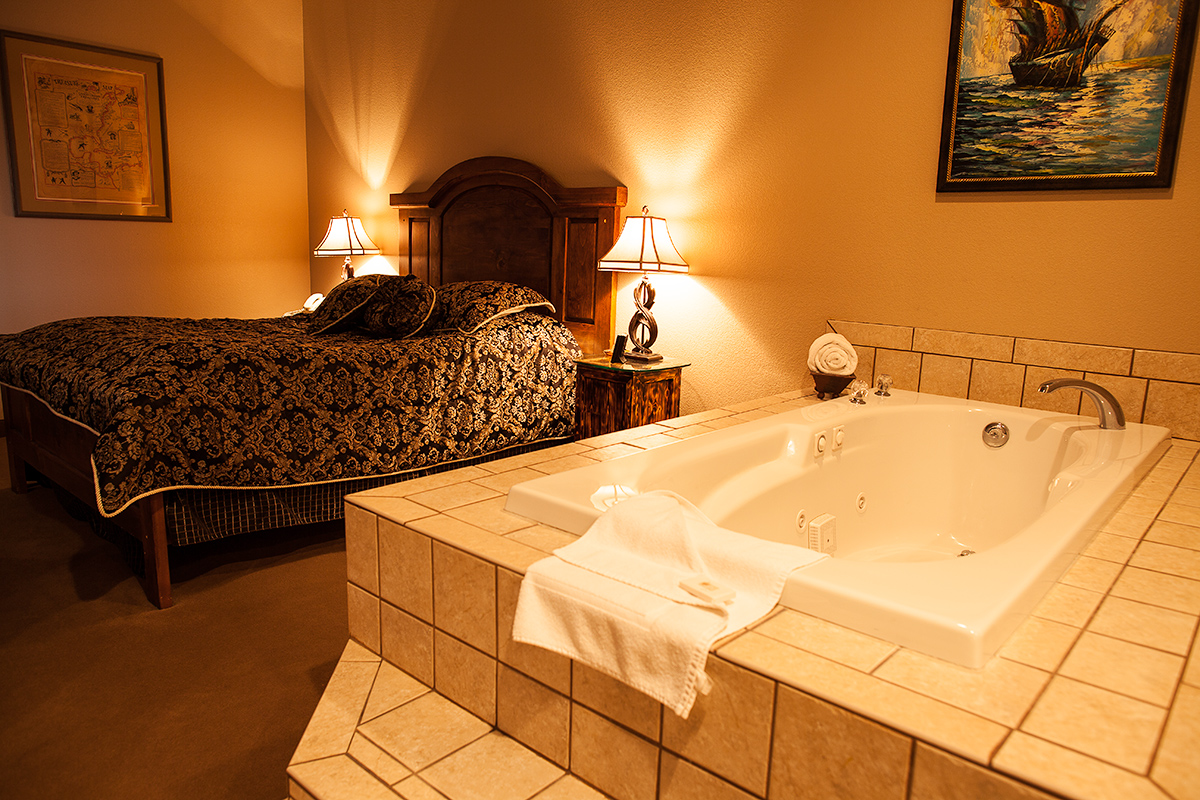 Rooms: Themed Hotel Suites And Standard Rooms - In Pahrump