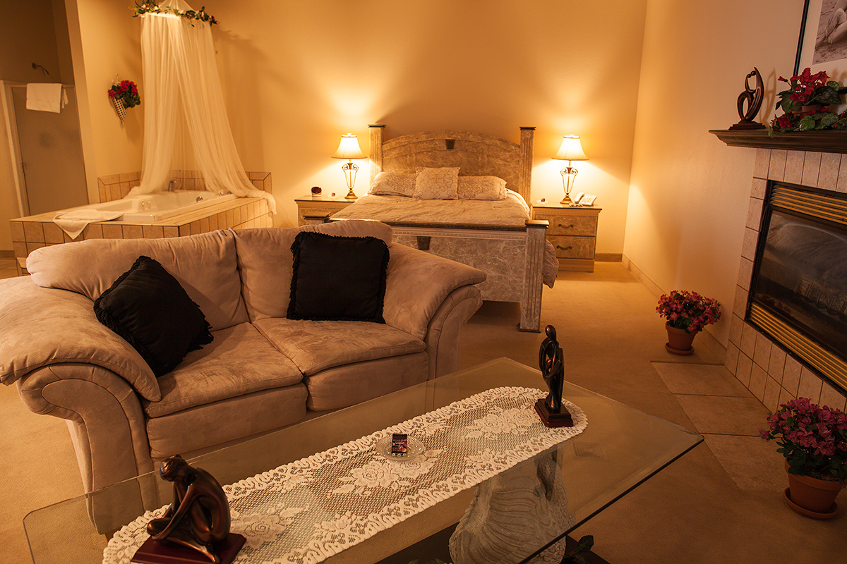 Pahrump To Las Vegas >> Sheri's Ranch | Themed Hotel Suites and Standard Rooms ...